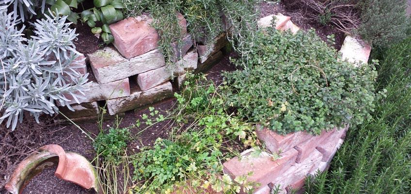 Kräuterspirale Naturgarten