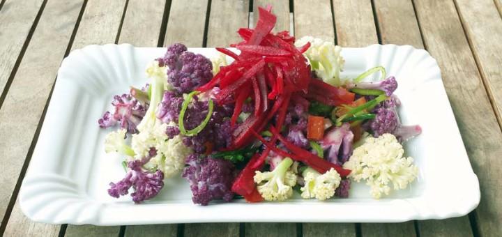 Roher Blumenkohlsalat mit Rote Bete