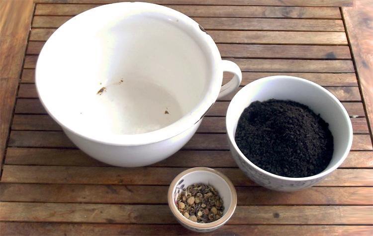 Erde und Saatgut - Seedballs selber machen