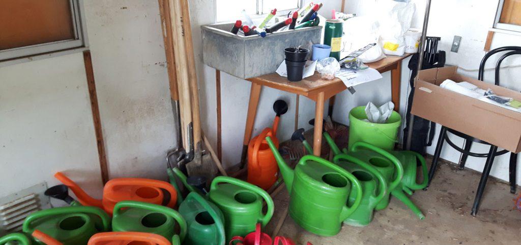 Bauwagen Gartenwerkzeuge