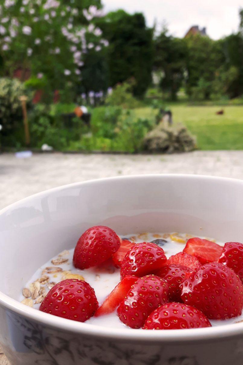 Erdbeeren im Müsli