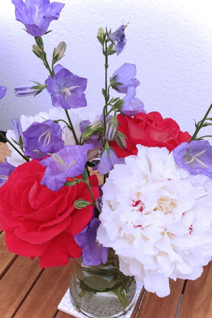 Blumige Deko Sommerblumen aus dem Garten