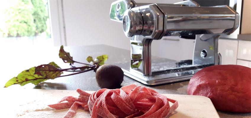 Selbstgemachte Pasta mit Pasatmaschine von Westfalia