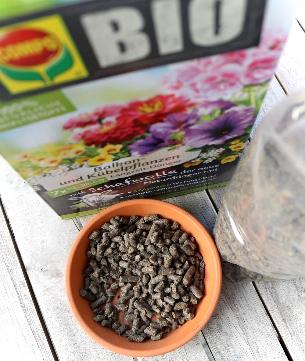 COMPO BIO Balkon- und Kübelpflanzendünger mit Schafwolle
