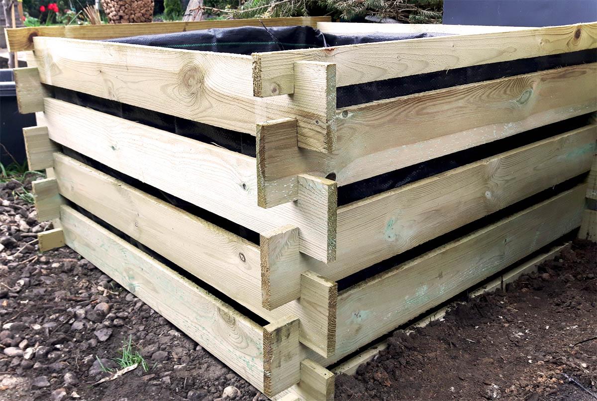 Pflanzkübel selbst gemacht aus Holzkomposter