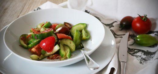 Schmorgurken mit Tomaten