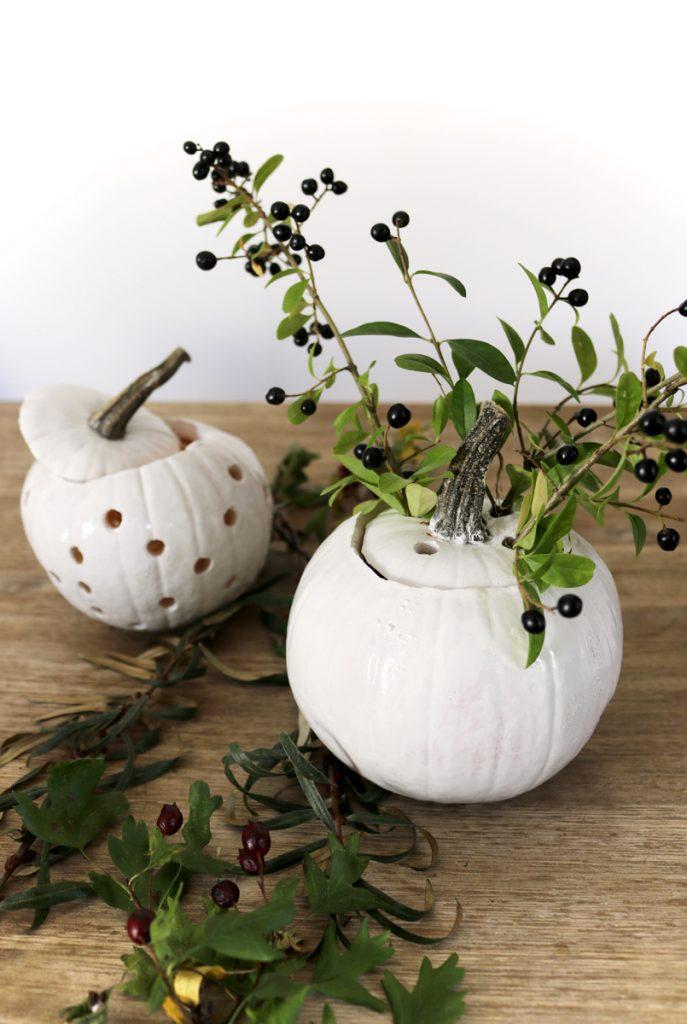 DIY Herbstdeko weiße Kürbisse