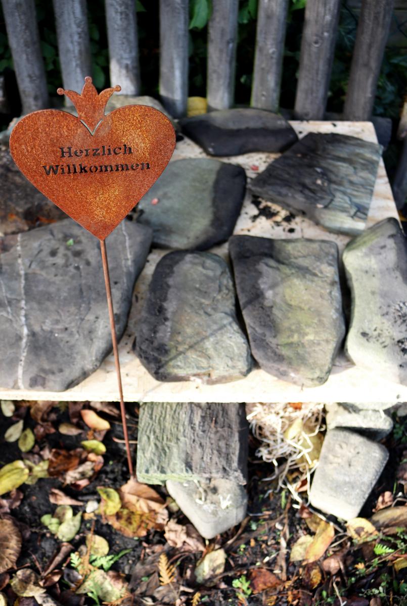 Igelhaus aus Steinen DIY - Herzlich Willkommen