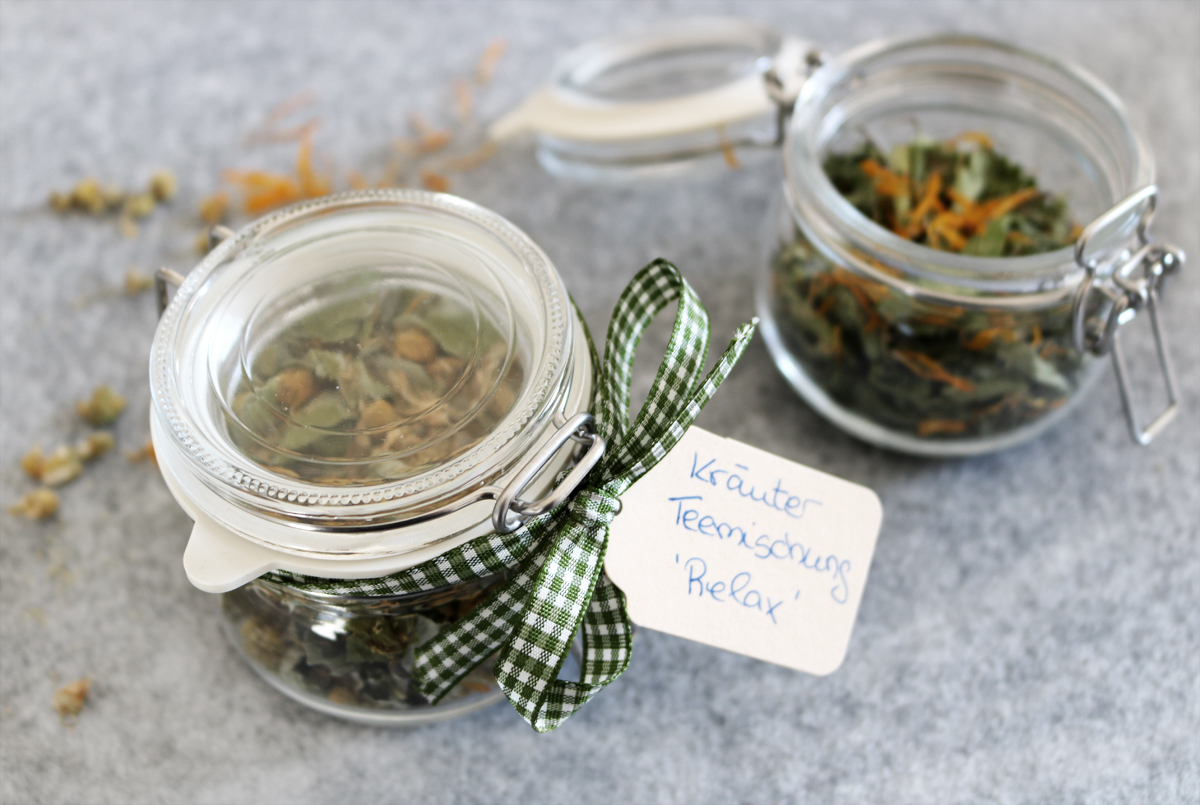 Kräutertee selber mischen | Geschenke aus der Küche - grüneliebe