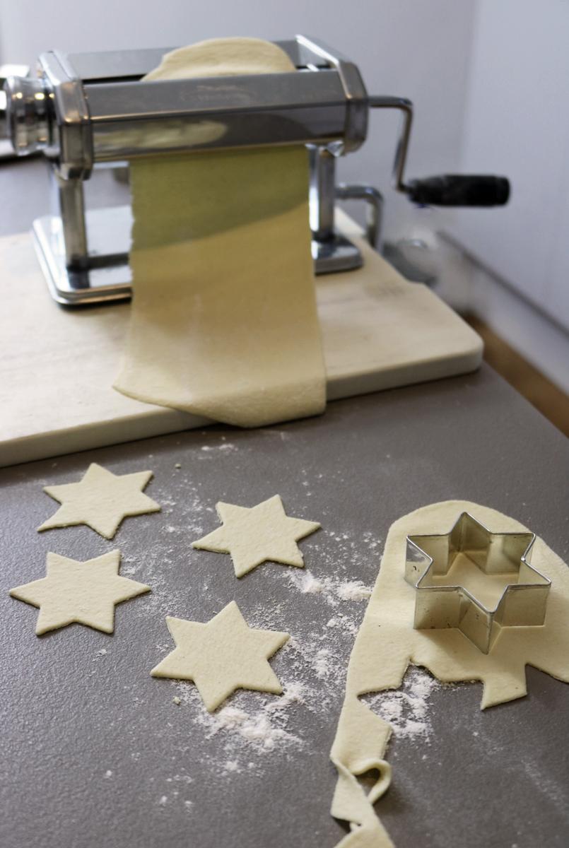 Weihnachtsnudeln Pastamaschine