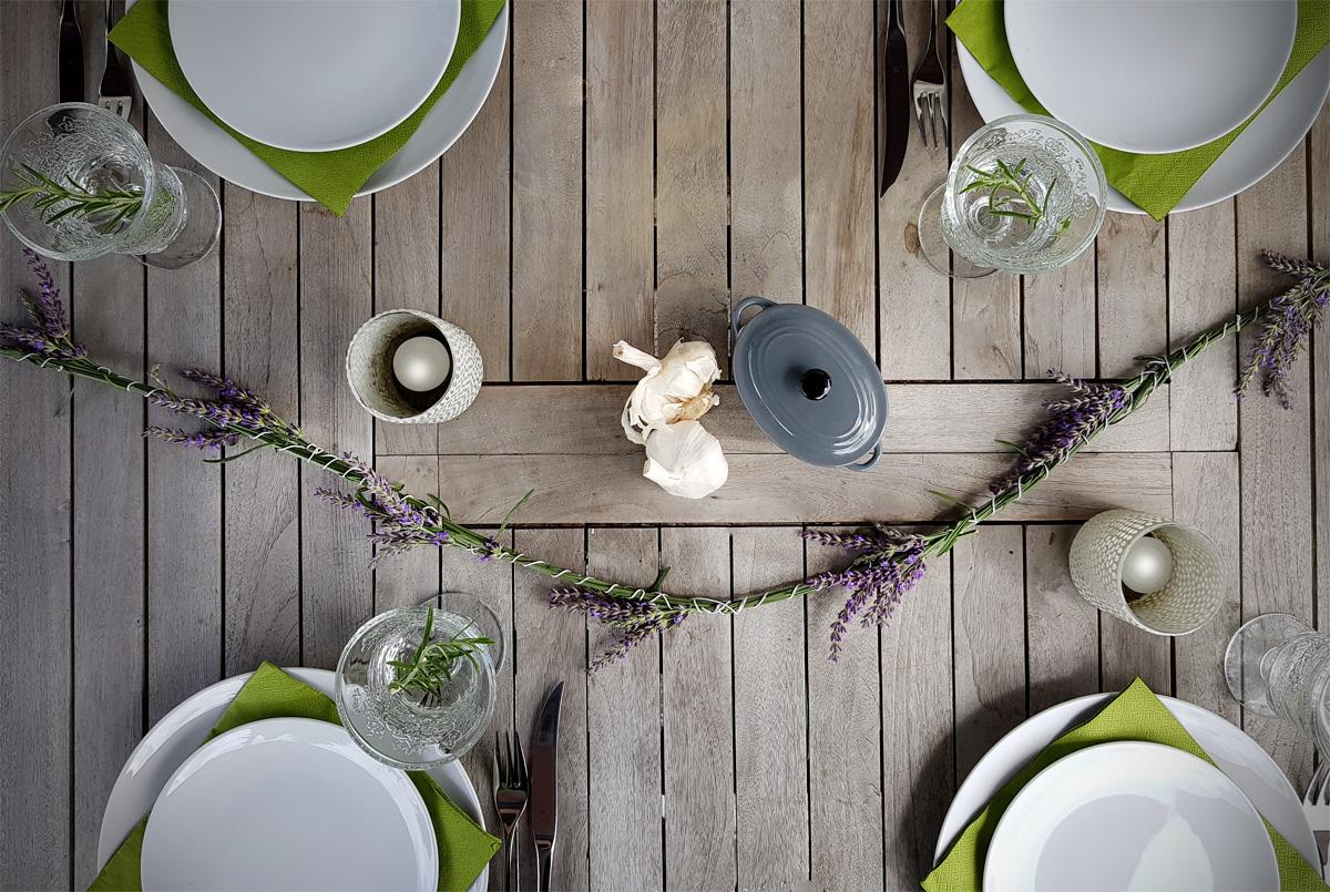 Lavendelgirlande als Tischdeko DIY