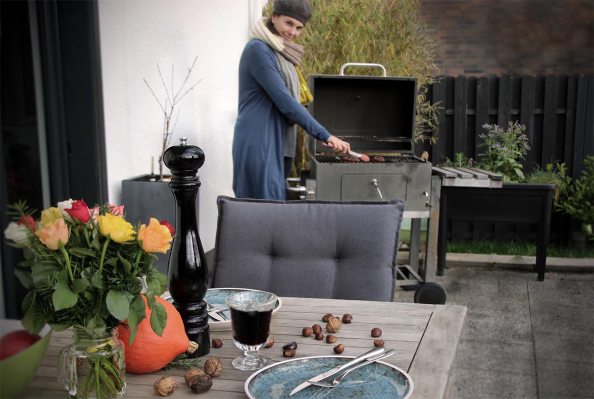Kalbsleber vom Grill mit Gluehweinschalotten - Werbung