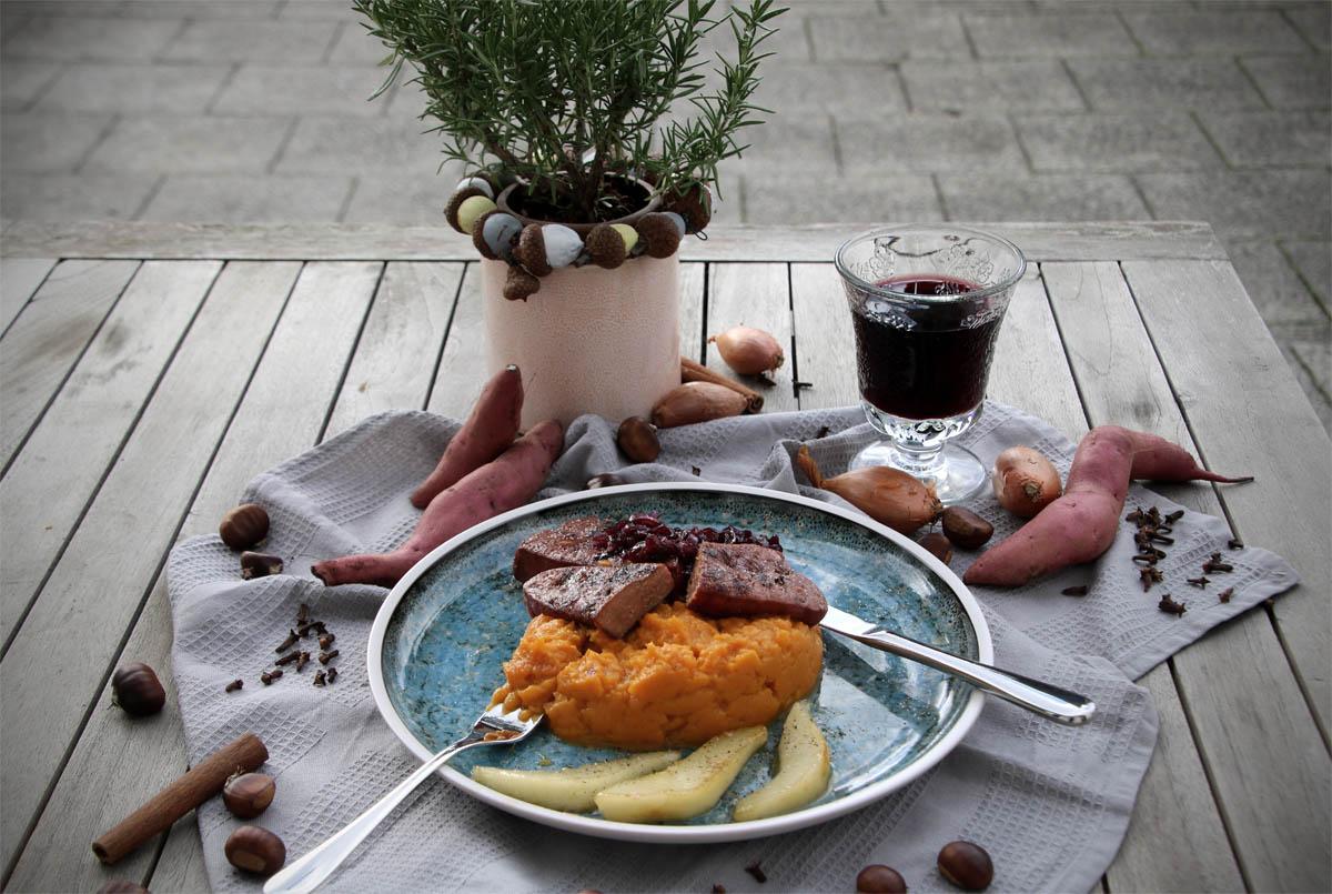Kalbsleber vom Grill mit Gluehweinschalotten Herbstgrillen - Werbung