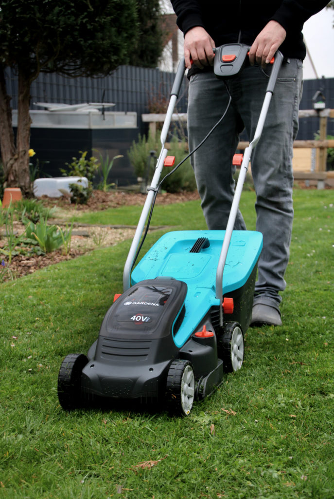 Werbung // Rasenmähen im Frühjahr - Wann fängt man an zu mähen? Garden Akku-Rasenmäher für kleine Rasenflächen