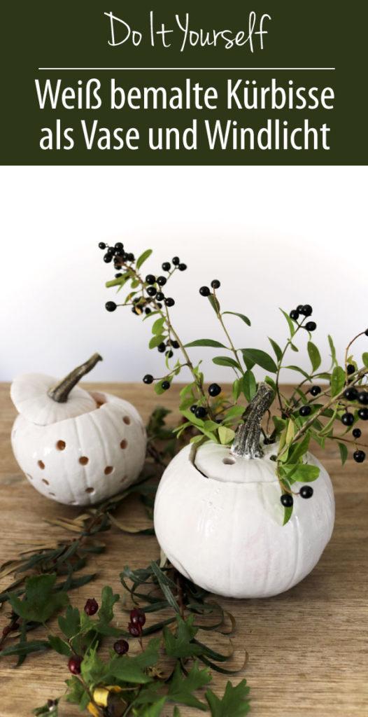 Herbstdeko DIY - weiß bemalte Kürbisse als Vase und Windlicht