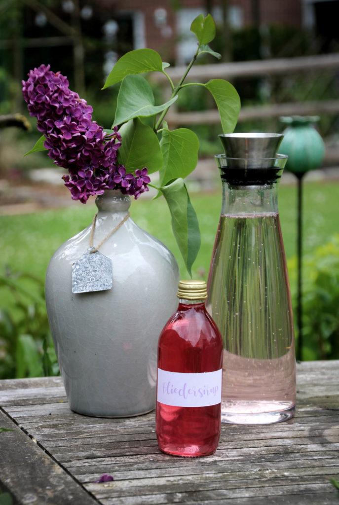 Fliedersirup mit Zitrone und Thymian