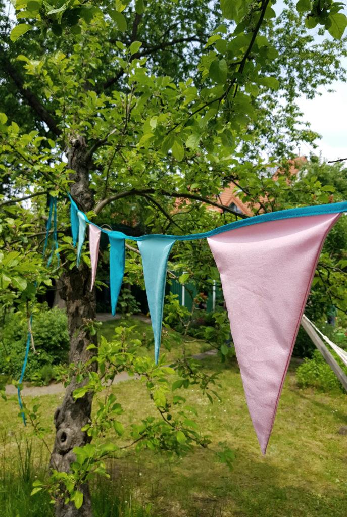 Offene Gartenpforte Rheinland - Blick über den Gartenzaun
