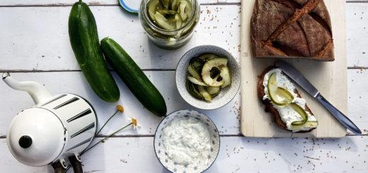 Honig-Senf-Gurken eingelegte Salatgurken