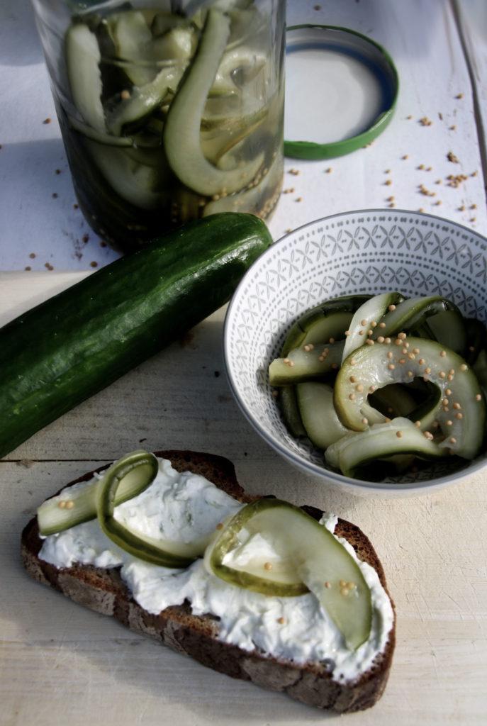 Salatgurken eingelegt in Honig und Senf