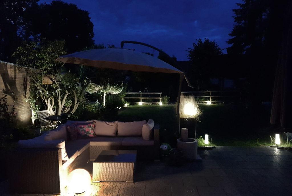 Abendstimmung im Garten | Lichtplanung im Garten mit BEGA Plug and Play