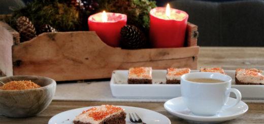 Glühweinkuchen mit Hagebutten-Cheesecake-Topping