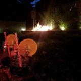 Glühweinabend am Lagerfeuer BEGA Plug & Play Gartenbeleuchtung