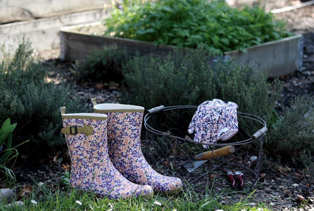 Gut zu Fuß und sicher im Beet - Gummistiefel im Garten
