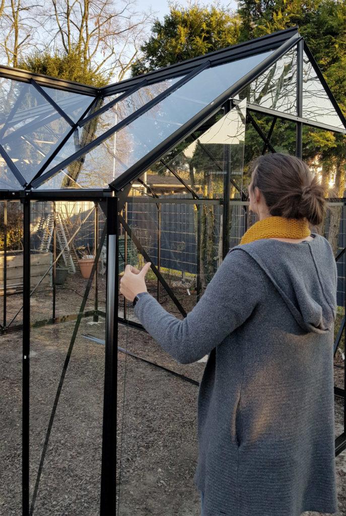 Gewächshaus aus Glas aufbauen Tipps & Tricks
